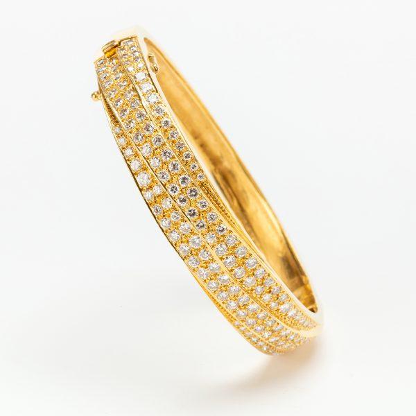 Fine Jewels of Harrogate 43963-3-Gold-Pave-Dia-Bangle-10