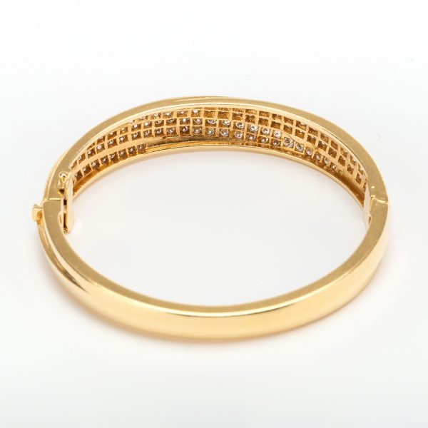 Fine Jewels of Harrogate 43963-3-Gold-Pave-Dia-Bangle-4