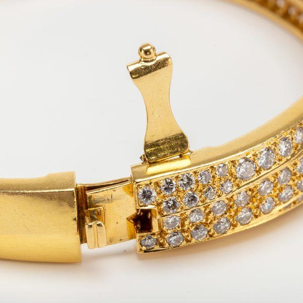 Fine Jewels of Harrogate 43963-3-Gold-Pave-Dia-Bangle-7