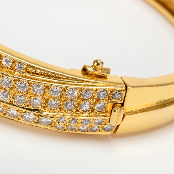Fine Jewels of Harrogate 43963-3-Gold-Pave-Dia-Bangle-8