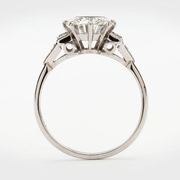 Fine Jewels of Harrogate 44313-3-1.94ct-Dia-Ring-Bagguette-Triangle-Shoulder-3
