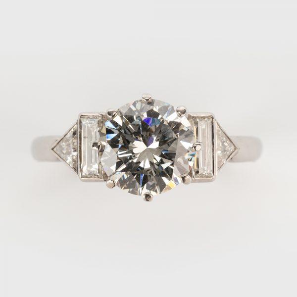 Fine Jewels of Harrogate 44313-3-1.94ct-Dia-Ring-Bagguette-Triangle-Shoulder-5