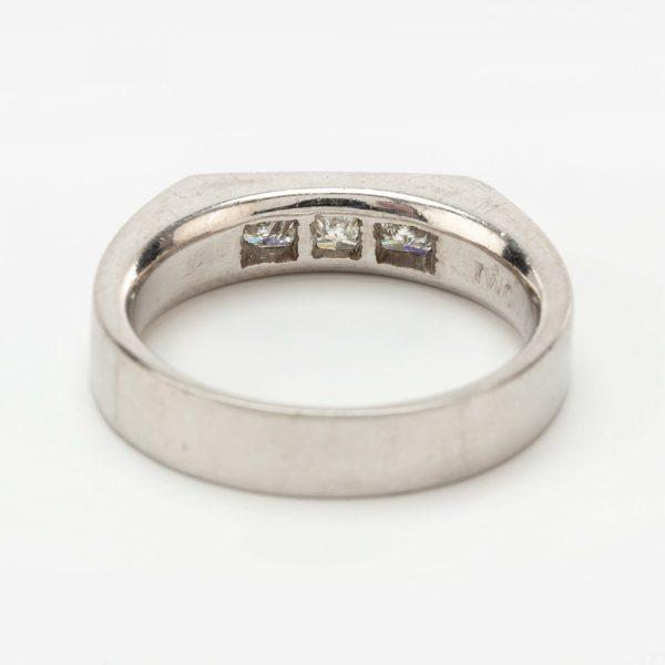 Fine Jewels of Harrogate 44569-1-Dia-3st-Ring-2