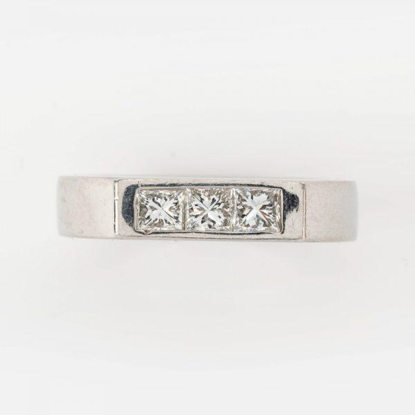 Fine Jewels of Harrogate 44569-1-Dia-3st-Ring-5