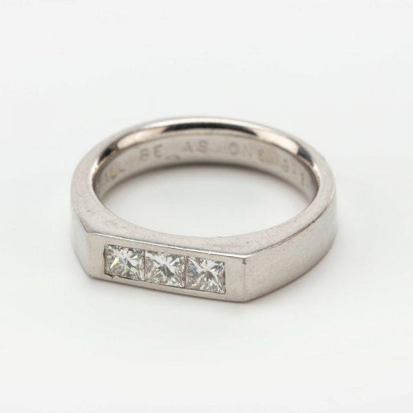 Fine Jewels of Harrogate 44569-1-Dia-3st-Ring-6