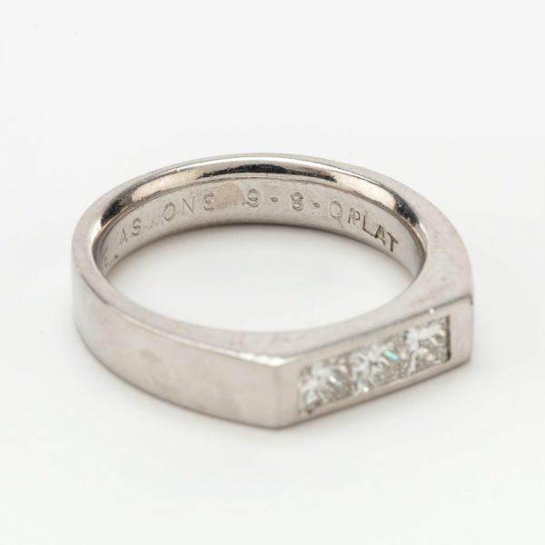 Fine Jewels of Harrogate 44569-1-Dia-3st-Ring-8
